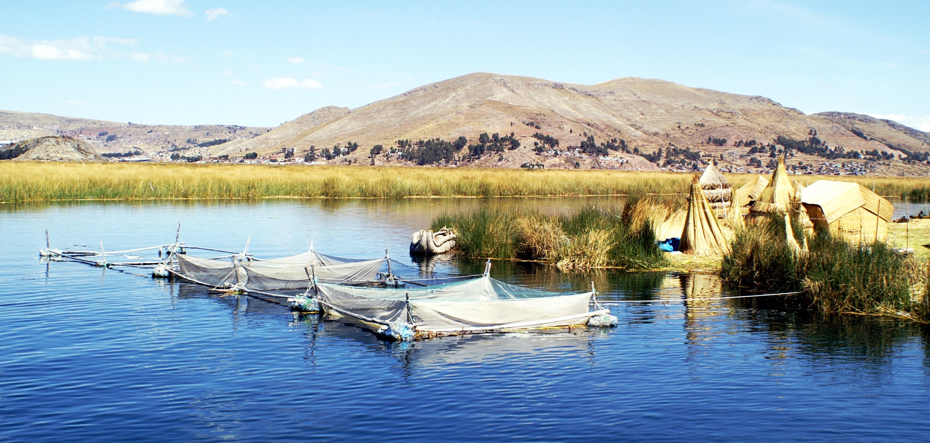 pérou lac titica iles uros habitants Bolivie