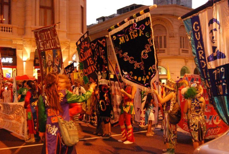 Bresil Carnaval de Buenos Aires la Plaza de Mayo