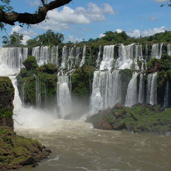 argentine chutes iguazu immersion nature dépaysement cascade jungle unesco parc national cataratas découverte merveille