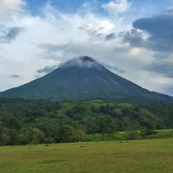 tierra-latina-disenando-cr-xw-volcan-arenal-costa-rica