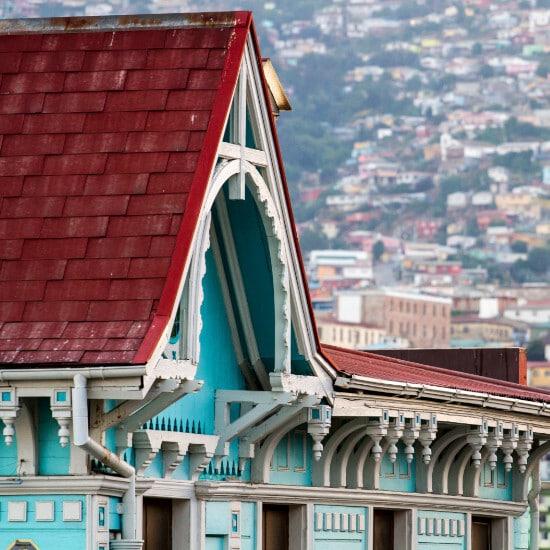 tierra-latina-visite-guidee-en-ligne-valparaiso-maisons-colorées