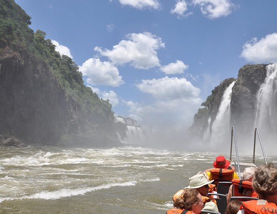argentine chutes iguazu bateau immersion parc national unesco nature dépaysement