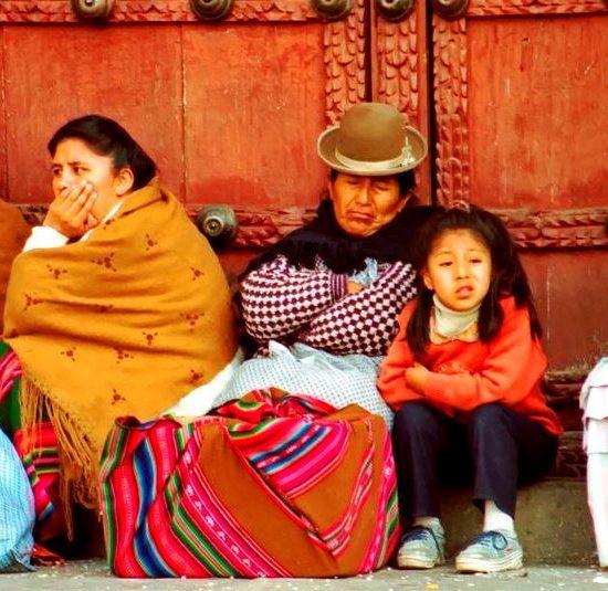 bolivie communauté andine natif habitant vêtement traditionnel folklore