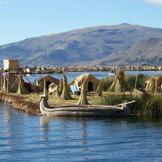 pérou lac titicaca iles uros indigènes immersion