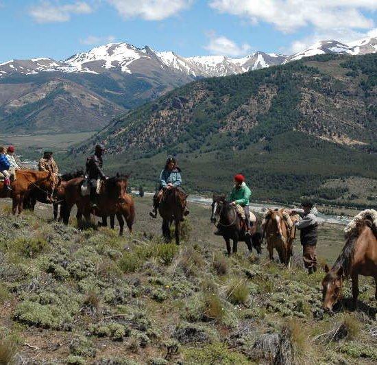 argentine patagonie bariloche gaucho montagne cordillère andes chevaux balade immersion nature