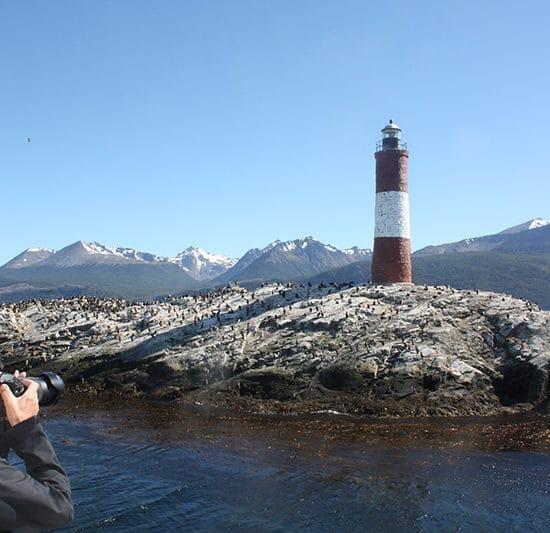 argentine patagonie parc national de la terre de feu ushuaia bout du monde immersion canal beagle nature sauvage manchots magellan faune milieu hostile phare montagne