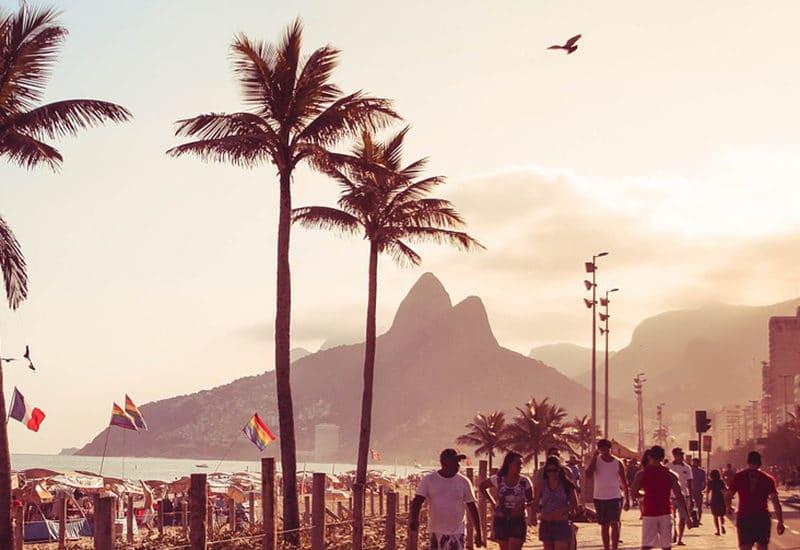 Copacabana Bresil Rio de Janeiro plage palmiers