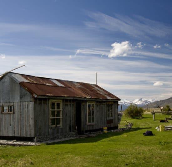 argentine refuge nature campagne montagne dépaysement des glaciers cachés patagonie escondidos puesto de la laguna ferme