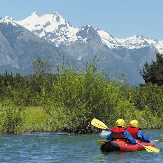 argentine patagonie rivière bariloche nature paysage immersion panorama parc national montagne cordillère andes canoë kayak