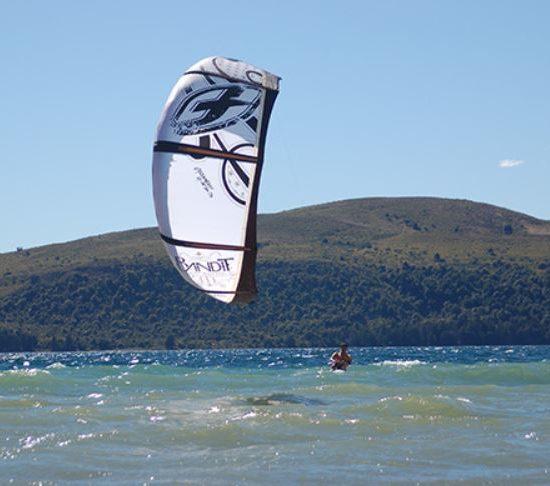 argentine patagonie 7 lacs bariloche nature paysage immersion parc national montagne cordillère andes kite surf activité nautique