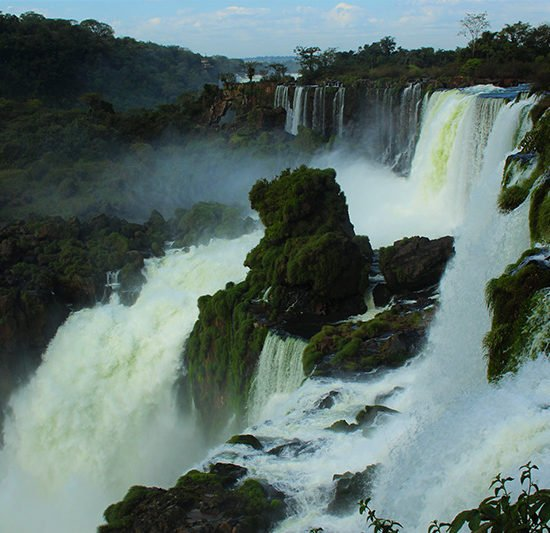 Chutes Iguazu immersion panorama jungle