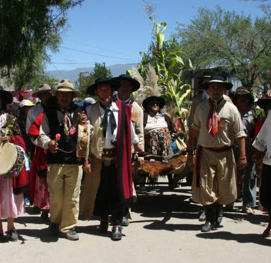 argentine tucuman fête tradition folklore communauté andine habitant découverte nord ouest argentin procession