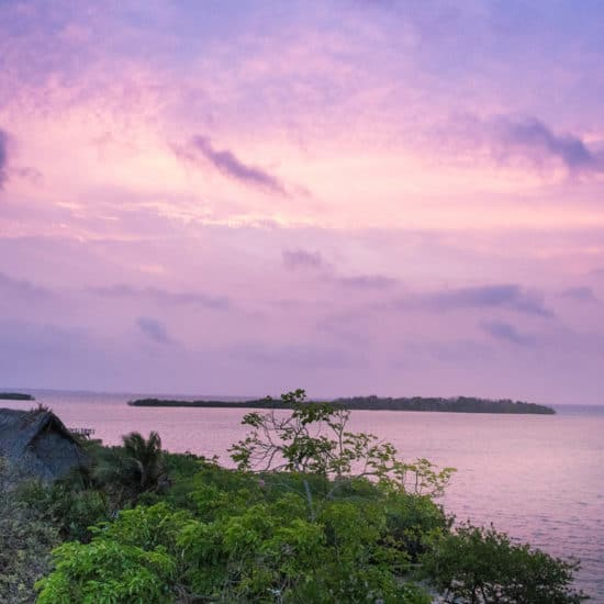 colombie iles baru plage ciel rose