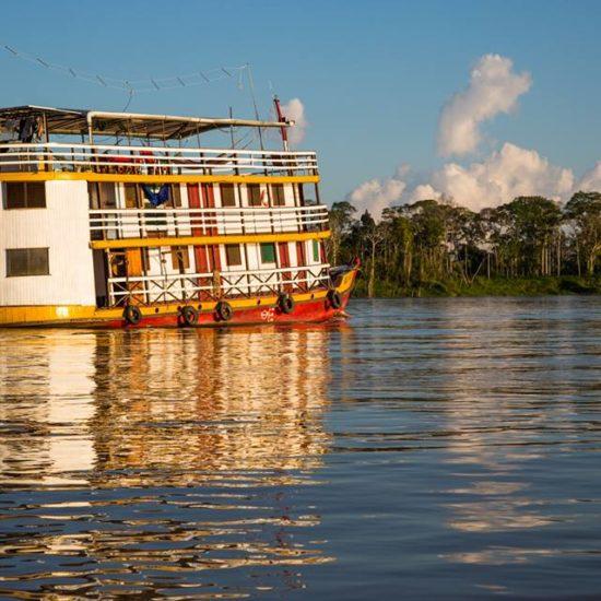 pérou iquitos forêt amazonienne amazone bateau
