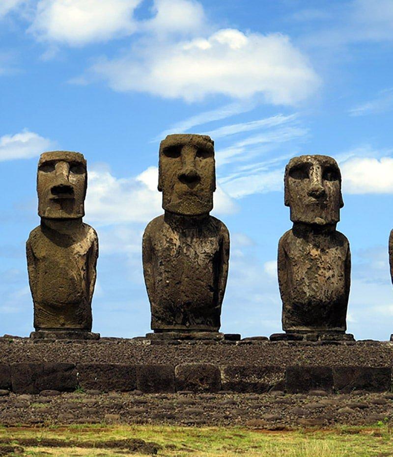 Chili ile de paques moaï statue