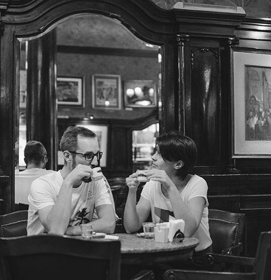 argentine buenos aires irys souvenirs photo expérience unique photographe professionnel café tortoni parisien incontournable noir et blanc