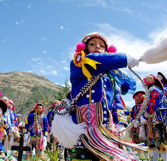 pérou virgen del carmen costumes fête tradition