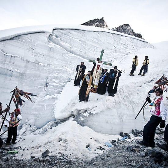 pérou habitants Qoylloriti pelerinage neige montagne