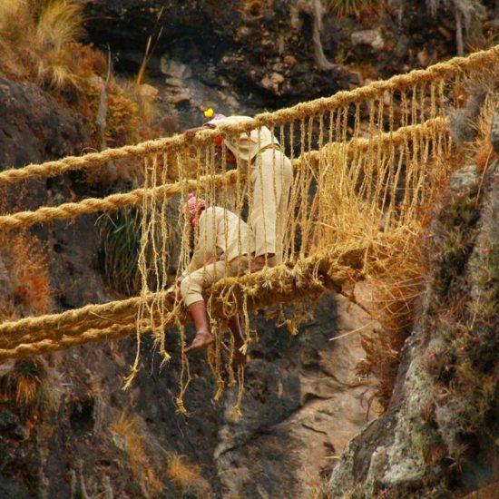 pérou festival queswachaka pont corde inca suspendu