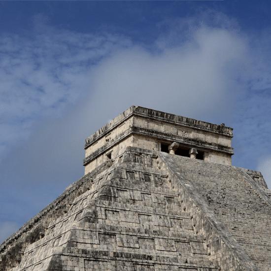 mexique chichen itza maya yucatan 7 merveilles du monde unesco site archéologique vestige architecture pré-coloniale pyramide