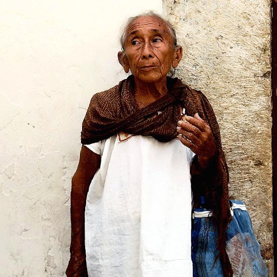 mexique maya femme vetement tradition culture merida yucatan