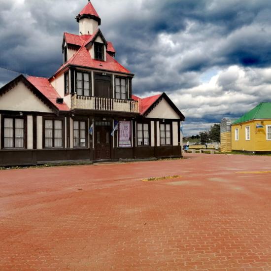 Tierra Latina. Voyage accessible Buenos Aires Ushuaia poste Bout du Monde