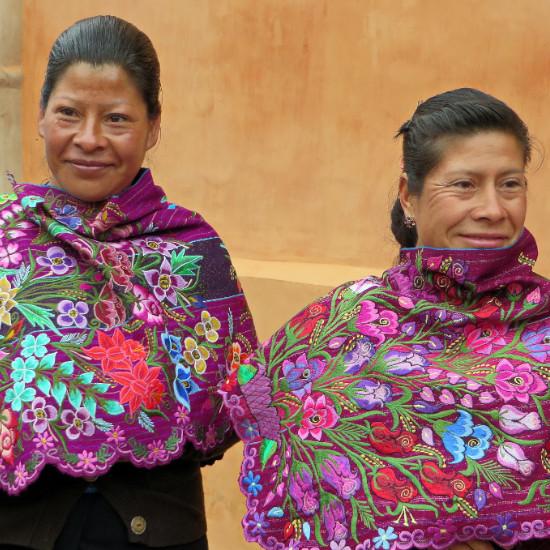 TierraLatina-Mexique-Chiapas-Femmes-Tzotzil-Artisanat-Vêtement