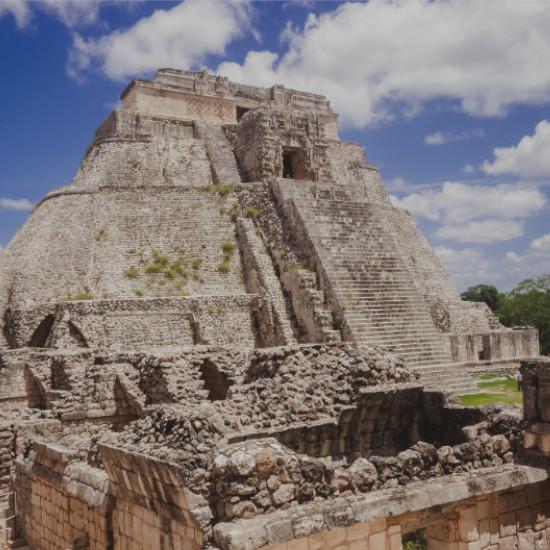 TierraLatina-Mexique-Uxmal-Yucatan-Maya-Pyramide