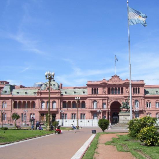 Tierra Latina Buenos Aires accessible Casa Rosada
