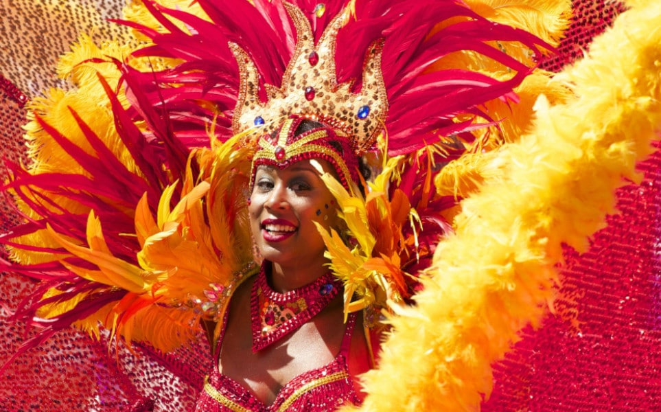TierraLatina-Brésil-Carnaval-Rio-de-Janeiro-Femme-Samba