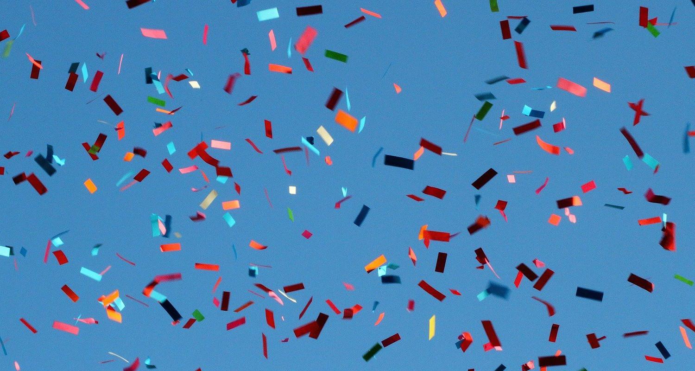 TierraLatina-Carnaval-Amérique-Latine-Confettis