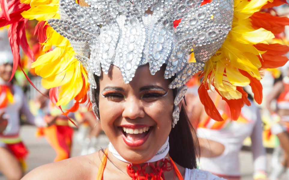 TierraLatina-Colombie-Carnaval-Barranquilla-Femme-Déguisée