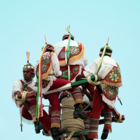 TierraLatina-Mexique-Cholula-Pyramide-Voladores