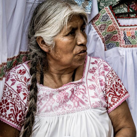 TierraLatina-Mexique-Oaxaca-Femme-Vêtement-Traditionnel-Marché