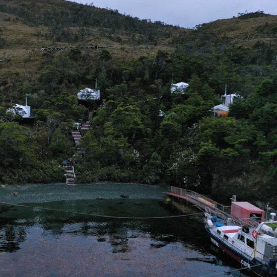 tierra-latina-observation-baleines-voyage-chili-isla-carlos-III-whalesound-hebergement-insolite
