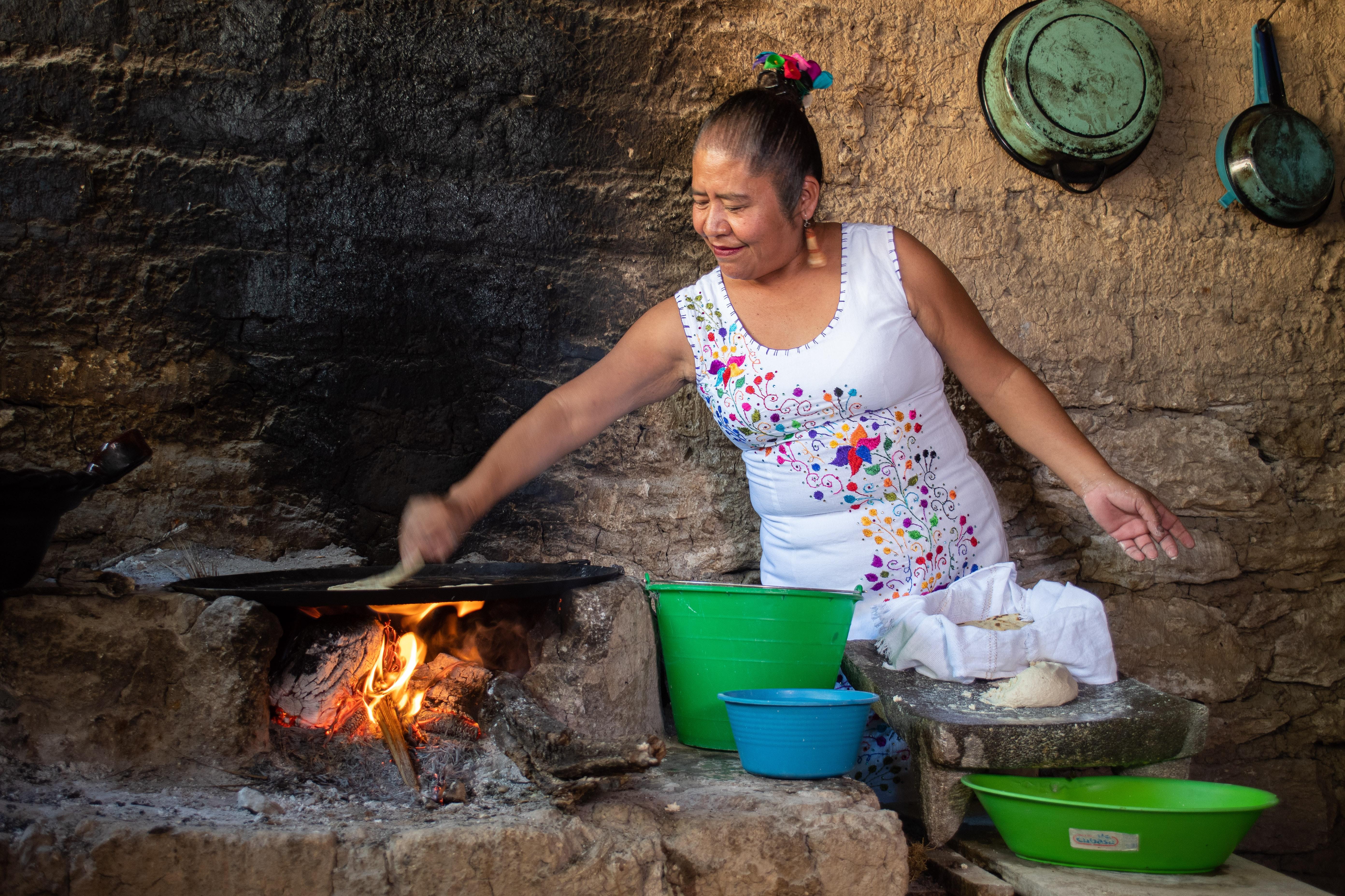 tierra-latina-voyage-mexique-chez-l-habitant-menu-acapulco-bw53DWzM8RI-unsplash