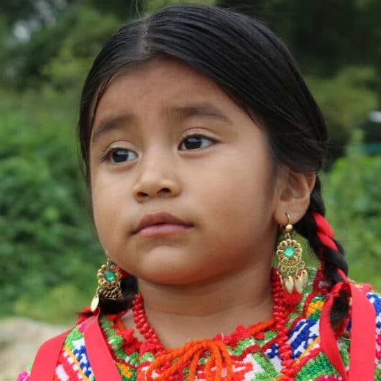 sejour-chez-l-habitant-yucatan-mexique-petite-fille-maya-rigoyrbk