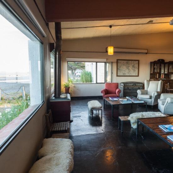 tierra-latina-bahia-bustamante-lodge-salon-chez-l-habitant-patagonie