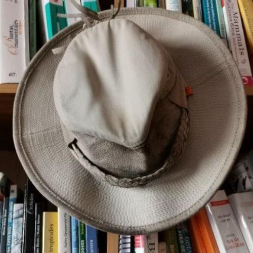 tierra-latina-bertrand-guide-costa-rica-chapeau