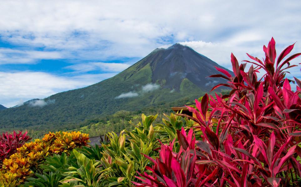 tierra-latina-volcan-arenal